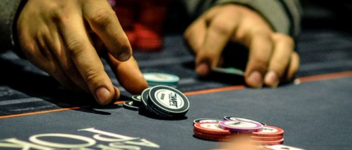 Are You A Beginner In The Arena Of Online Gambling? Try The Features Of Situs Resmi PKV Games Now!!