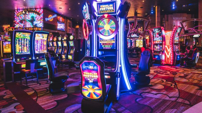 Easy to win by playing Slot Online