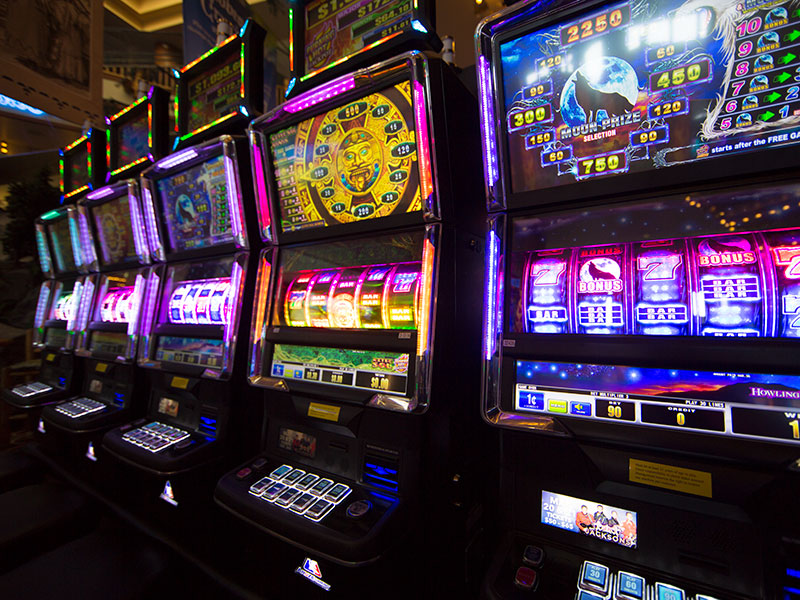 Learn How to Properly Play the Slot Games Online